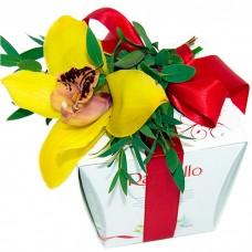 Конфеты и орхидея